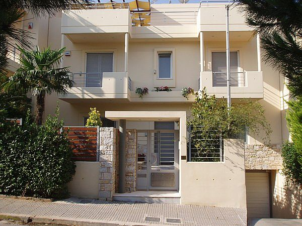 Photo: Beautiful 4-5 bed house in Voula, Athens